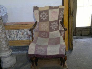 se vuoi rimanere incinta siedi nella sedia della santa